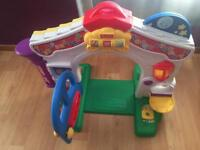 Fisher Price house toy in perfect condition bargain