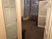 2 BEDROOM FIRST FLOOR MAISONETTE NEAR HAINAULT STATION. *PART DSS ACCEPTED WITH GUARANTOR*