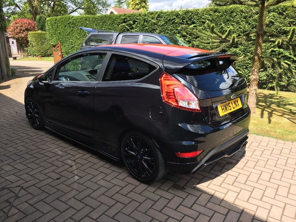 ford fiesta mk7 5 black edition excellent condition full ford service history in farnham. Black Bedroom Furniture Sets. Home Design Ideas