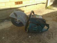 Makita petrol disc cutter comes with water suppression bottle 130