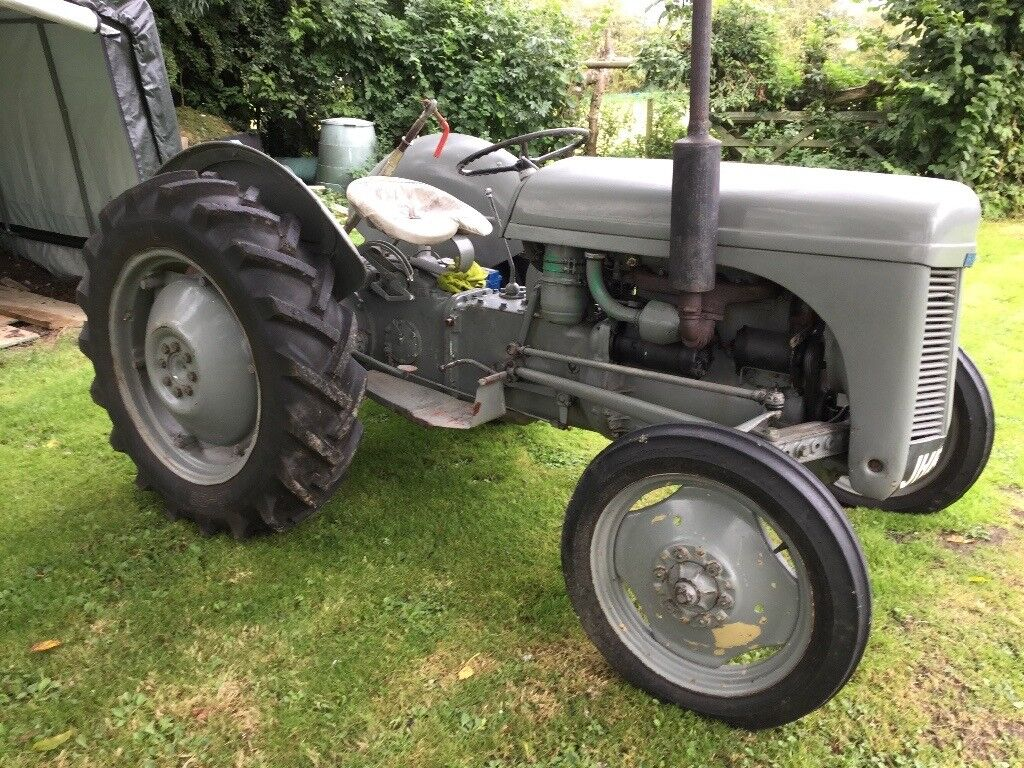 Massey Ferguson T20 diesel tractor plus topper and link box