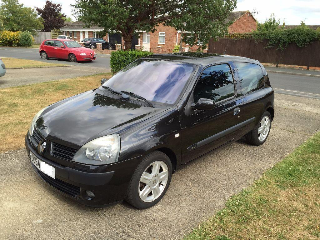 renault clio 1 2 16v 2004 petrol black low mileage 45 000 in bicester oxfordshire gumtree. Black Bedroom Furniture Sets. Home Design Ideas