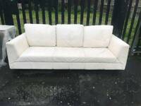 3 seatet Sofa white leather