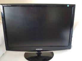 """Samsung SyncMaster 2233BW 22"""" LED Monitor"""