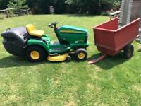 Jonh Deere ride on Lawn Mower with grass collector and trailer
