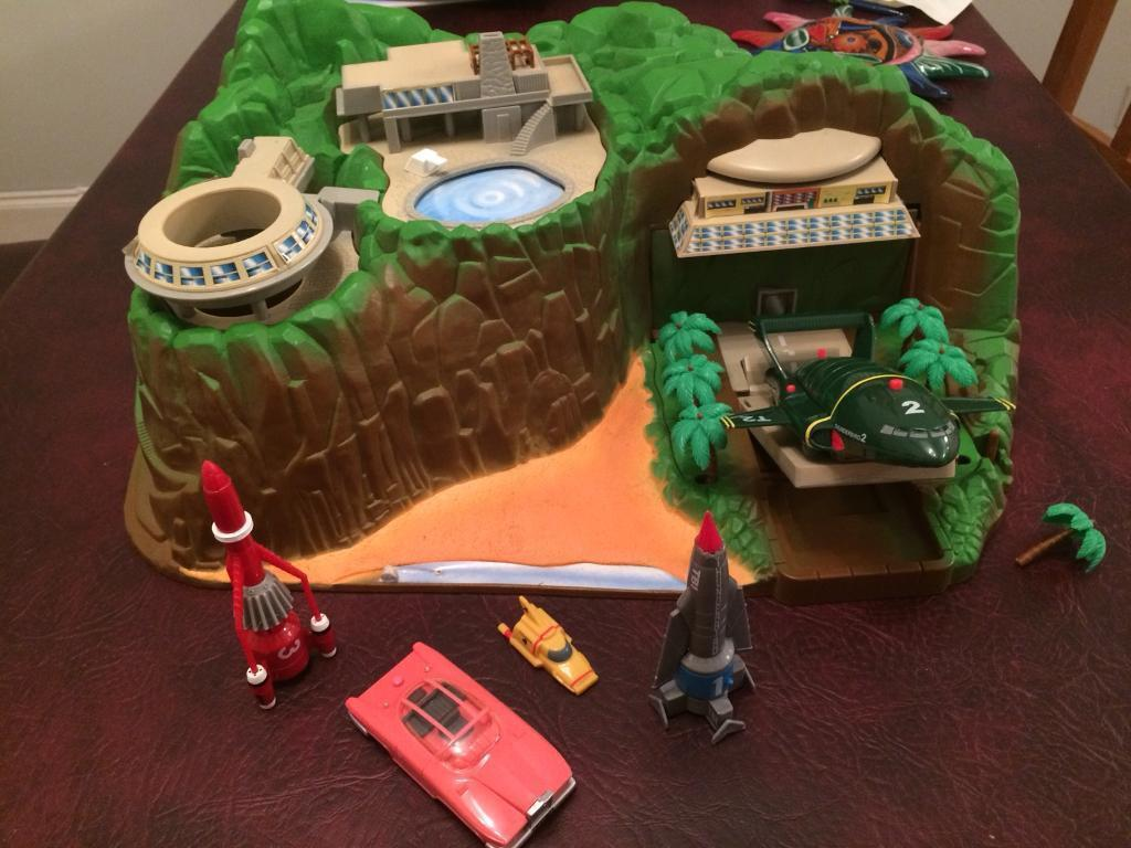Thunderbirds Tracey Island Toy Set