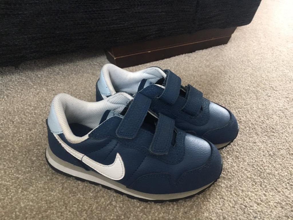 Boys Nike Trainers Size 9.5