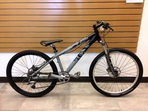 Vélo freeride/dirt jump 14'' GIANT STP 2 suspension FOX  #F020821