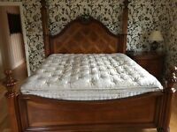 Very large solid Cherry Thomasville (USA) bed and 2 x bedside cabinets