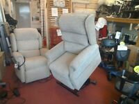 NEW Luxury Riser Recliner Chair ( £10 a week on Terms )