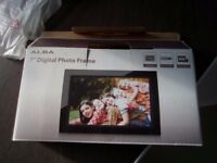 NEW 7' inch digital photo frame ALBA
