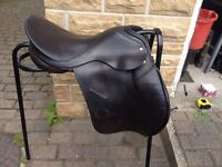 "Brown Chase English leather saddle 17.5"" medium"
