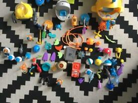 Octonauts characters and vehicles.