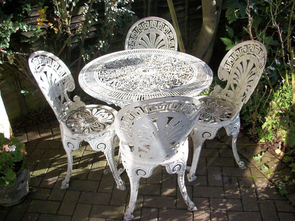 White Metal Garden Side Table: Shabby Chic Pretty White Metal Garden Table And Chairs