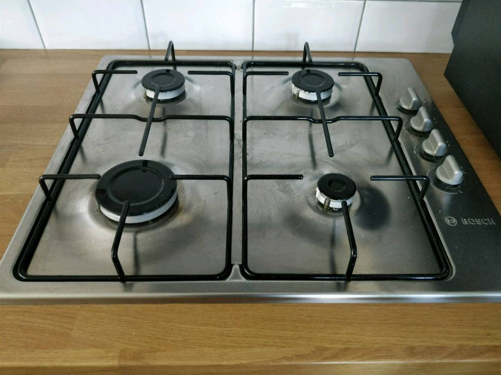 Bosch 4-burner stainless steel gas hob in excellent condition.