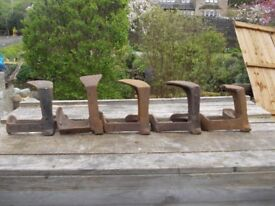 VINTAGE COBBLERS ANVIL LASTS GOOD DOOR STOPS/BOOKENDS. 5 AVAILABLE, 1 DAMAGED . SEVEN POUNDS EACH.