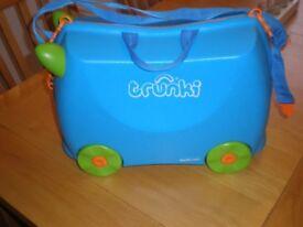 Trunki Ride-on-suitcase - Terrance Blue