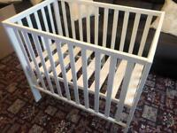 Mama's & Papa's Baby Cot In Excellent Condition