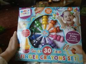 SUPER 30 PIECE FINGER CRAYONS BRAND NEW