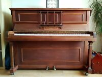 Old Piano free to good home a few blemishes but plays a lovely tune / hen biano i gartref newydd