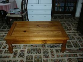 Coffee Table solid pine large
