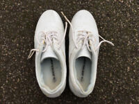 Dunlop ladies golf shoes in very good condition