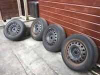 "Set of 4 steel wheels and winter tyres 16"" 195/60/16"