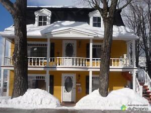 298 000$ - Commercial / Appartement à vendre à Rivière-Du-Lou