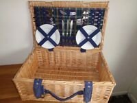 WICKER PICNIC BASKET INCLUDING CUTLERY, PLATES & CUPS