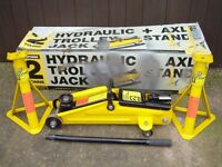 TROLLEY JACK AND AXLE STANDS, TWO TONNE, HALFORDS.