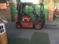 Nissan two tone diesel year 2008 with side shift excellent condition good tyres