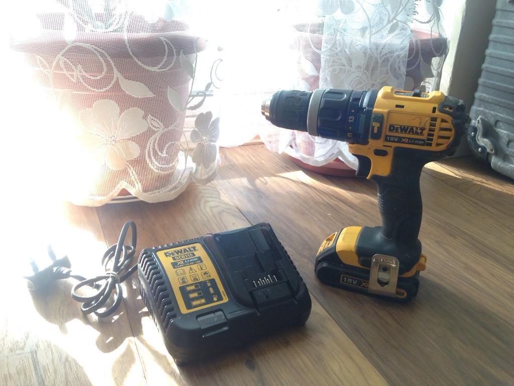 Dewalt 18v XR LI ION Drillchargerin Stratford, LondonGumtree - Dewalt cordless drillDewalt cordless drill 18v Dewalt drill18v batterieDewalt charger In good condition fully working drill Hardly been used If any question please contact me on 07450138144