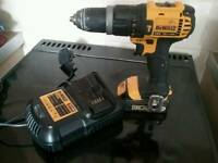Dewalt dcd785 hammer drill/driver