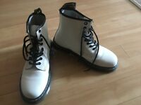 Dr Martens White Boots Size 6 like NEW