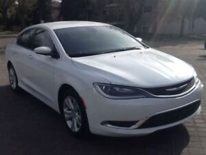 2015 Chrysler 200 Limited | Easy Approvals!| Low Km's | Like New