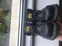 Unisex safety boots - size 6 (used but still good condition)