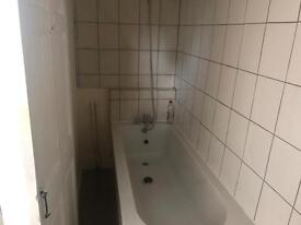 Vacant three bed flat e13