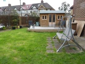 Double room Available in 3 bedroom house