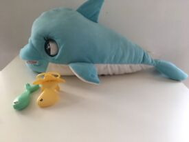 Blu blu dolphin large toy with accessories