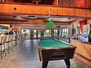 869 000$ - Bar à vendre à Ste-Catherine