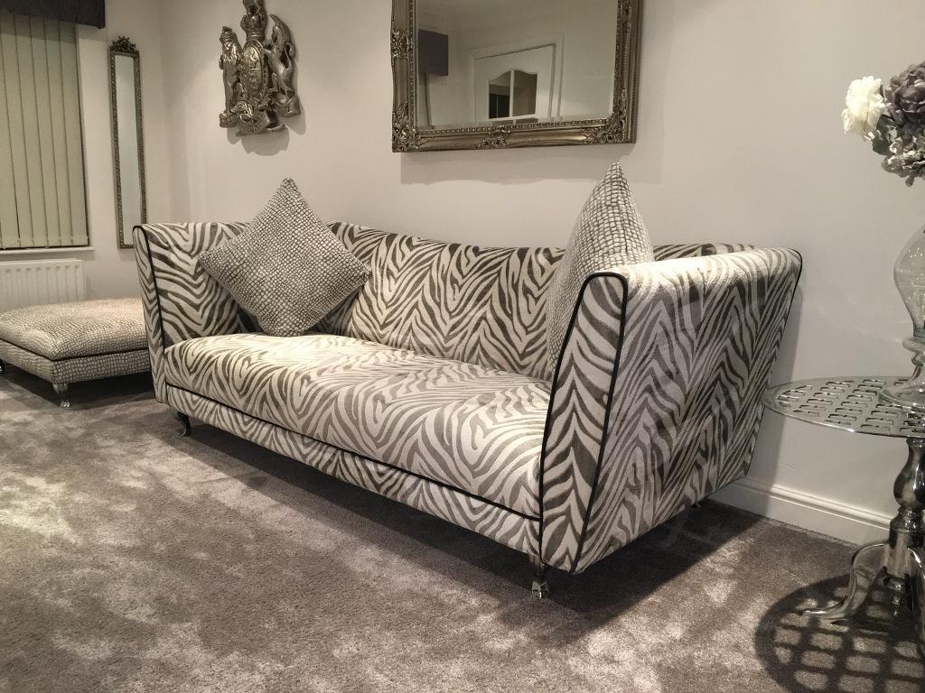 Dfs Hampton Tiger Print 4 Seater Sofa Amp Huge Footstool