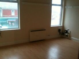 Stylish Very Large 2 bed apartment located in popular Blackpool location - NO DEPOSIT REQUIRED!!