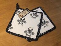 Gothic Skull & roses pot holders