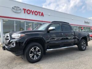 2017 Toyota Tacoma Limited, ONLY 10799 kms!, Leather, Sunroof, N
