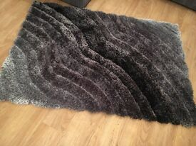 Grey and silver thick rug new excellent condition