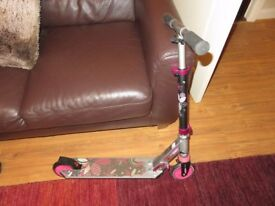 Girls Scooter, suit 5 - 6 year old
