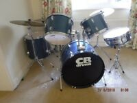 5 piece Drum Kit with Cymbals