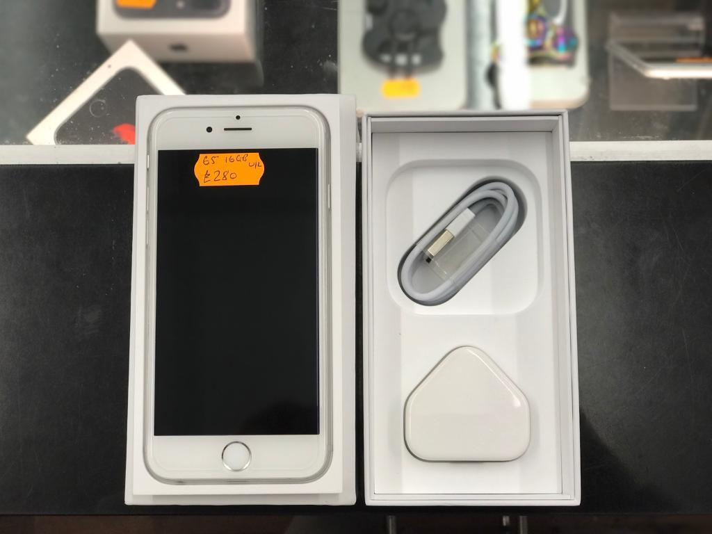 Apple iPhone 6s 16gb silver factory unlockedin Bradford, West YorkshireGumtree - Apple iPhone 6s 16gb in silver factory unlocked. The phone has been well looked after and is fully working which warranty has just ran out. The phone is in mint condition overall. The phone will be purchased through a shop for peace of mind for the...