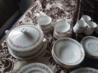 72 piece china dinner service (paragon belinda design)