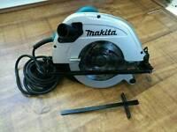 Makita 5704R - 1200w - 240v - 190mm - Circular Saw